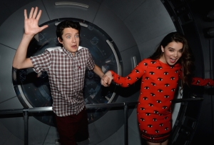enders-game-experience-asa-butterfield-hailee-steinfeld-comic-con-2013-photos